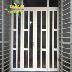 Mẫu cửa sắt sơn tĩnh điện CSST 007