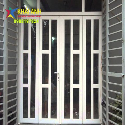 cửa sắt sơn tĩnh điện 007