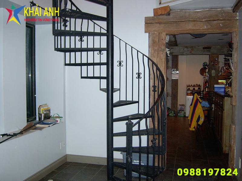 cầu thang sắt 024 nghệ thuật đẹp hà nội