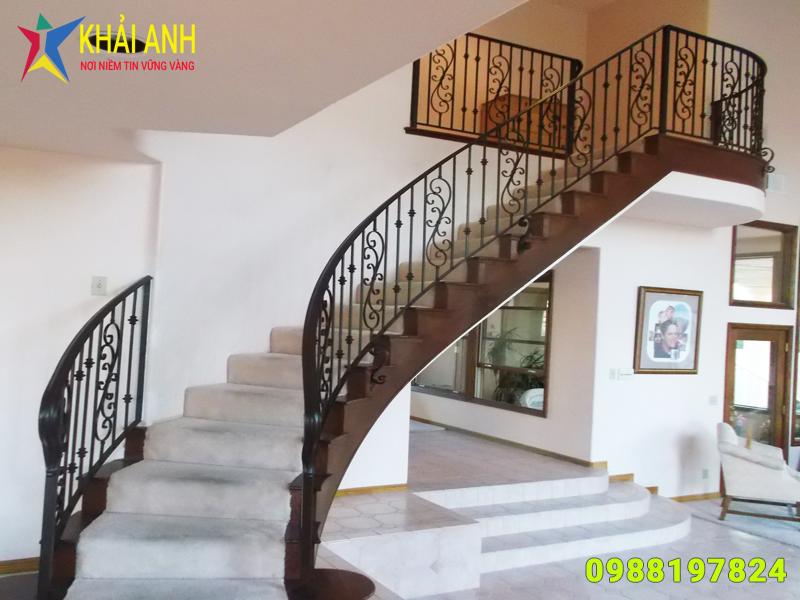 mẫu cầu thang sắt nghệ thuật hà nội
