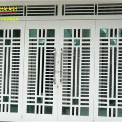 Mẫu cửa sắt sơn tĩnh điện CSST 005