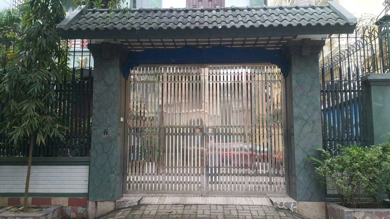 cổng inox 009 đẹp hà nội