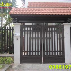 Mẫu cổng sắt hộp CSH 011